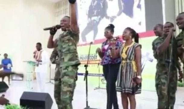 atsu-vondee-singing Video Of Ebony's Bodyguard Singing In Church Will Make You Shed Tears
