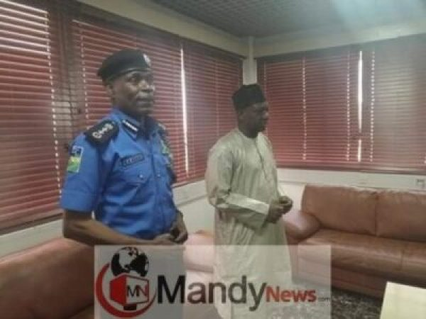 8513219_fbimg1547643709343_jpeg6a8b7c2b224b610edb49399d4da89e5e2132119272 Ibrahim Idris Hands Over Police Flag To New IGP Adamu (Photos)