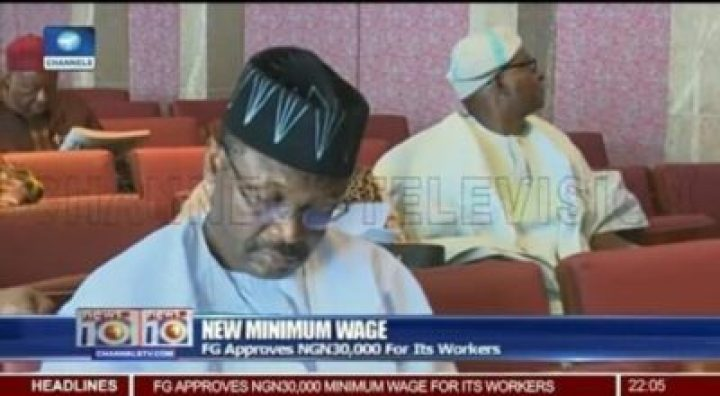 8723132_img20190210064537_jpegf21ec629cca2ae0a014699270a24c0d6190751395 INEC Chairman Spotted Wearing An APC Campaign Cap With Broom Design