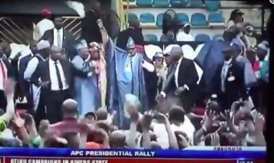 8736966 screenshot20190211at4 23 02pm jpeg0b3a68d295918b5d89afc2884c9b2c2e1037060798 - President Buhari Stoned At APC Ogun Rally (Video)