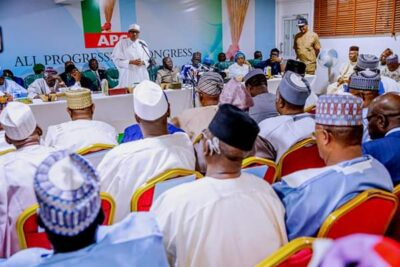 8800011 fbimg1550496601960 jpegf0da14d2c5f46f861a7d0bf261162f0f - Buhari, Tinubu, Oshiomhole, Amaechi, Others At APC Caucus Meeting In Abuja (Pix)