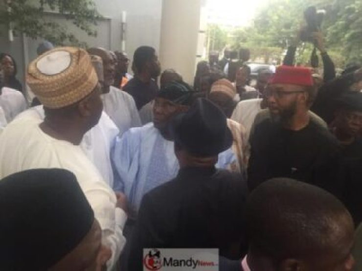 8881063_bado1_jpg43bb8b84b5f17dfd1c163c83cc10448e Atiku Abubakar Arrives Yar'adua Centre In Abuja For World Press Conference (Photos)