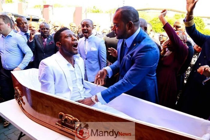 Alph-Lukau52598857_10156104366547113_4336929955410608128_n-1 Resurrects Zimbabwean Dead Man Works For Pastor Alph As A Camera Man (photos)