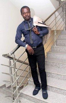 D0HLKeIWwAEdr5v - BREAKING: PDP Chairman, Bayelsa Govt House Photographer Killed By 'Men In Military Uniform'