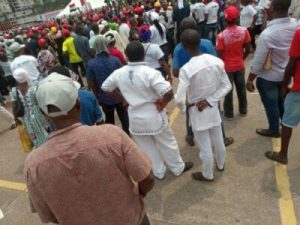 DzNBeI0VYAAHR m 300x225 - The Momentum Is Gathering Already For Atiku's Lagos Rally (Photos)
