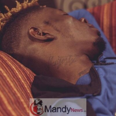 Shatta Wale Tattoos - Shatta Wale Tattoos His Son's Name, 'Majesty' On His Neck