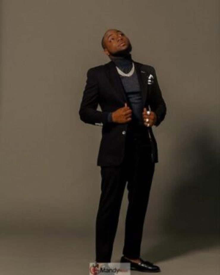 54426138_967706066767707_1474362446756008946_n Davido Looking Soft And Fresh In New Photos