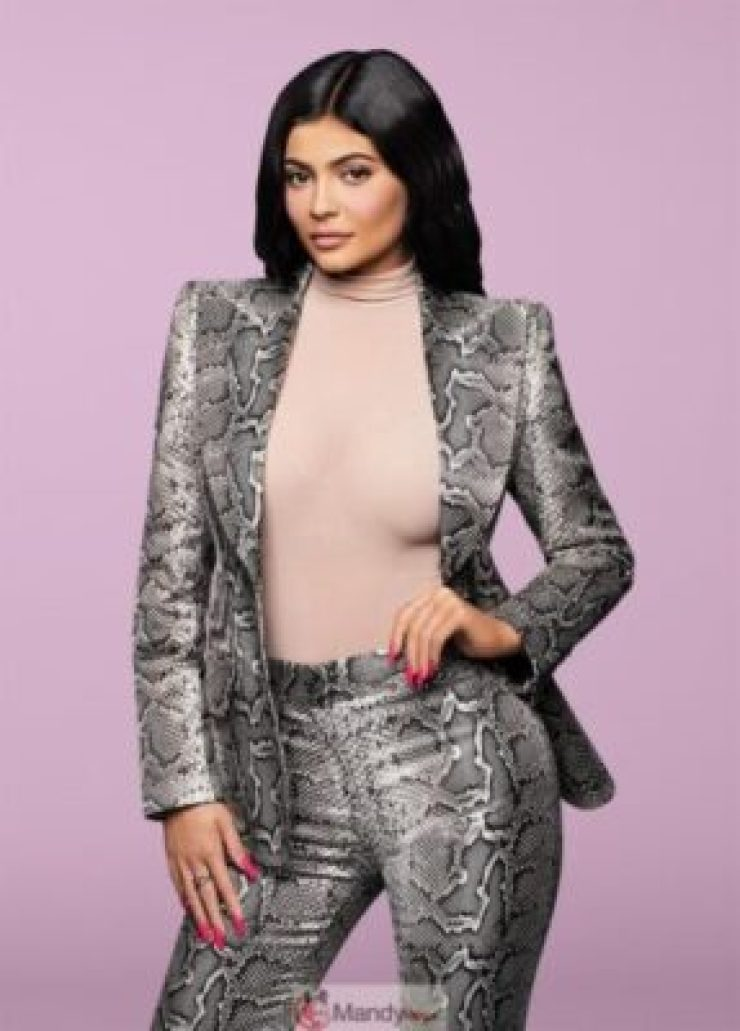 8926051_960x0_jpeg19546c1a35b6f92ab3b4eccd7290d7e2 Kylie Jenner Beats Zuckerberg To Become The Youngest Self-Made Billionaire Ever At 21