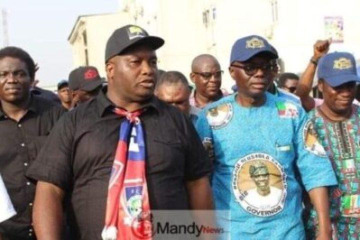 8932118_5326707826204876879663623977212429892321280n_jpg132ec6b06e24054c5d41b9f75cea479f Ifeanyi Uba Takes Sanwo-Olu On Campaign Tour In Lagos (Photos)