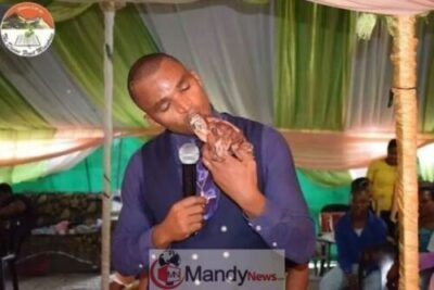 Apostle kills dog1 - Pastor Kills Canine And Eats The Uncooked Meat Throughout Reside Service (Photographs)