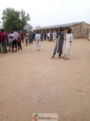 D2U  ikX4AEUfYe - Kano Elections: People On The Run As Thugs Disrupt Polls (Photos,Video)