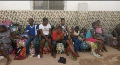 D2sm0quWkAAtqHV - Over 150 Children Stranded As FCDA Demolished Orphanage Home In Abuja (Video)