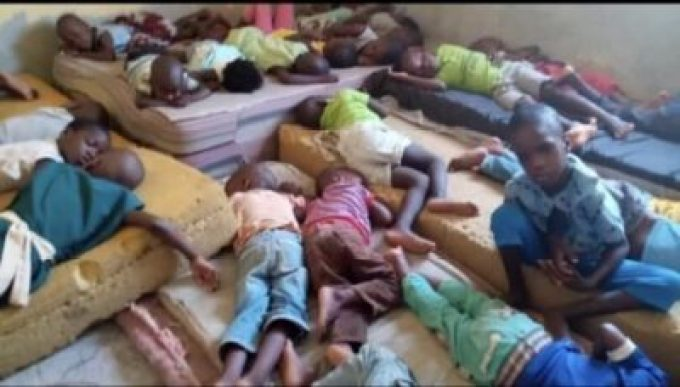 D2sm0qwXQAA5sfi Over 150 Children Stranded As FCDA Demolished Orphanage Home In Abuja (Video)
