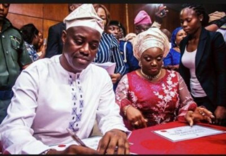 IMG_20190327_192148_534 INEC Presents Certificates Of Return To Oyo Governor, Seyi Makinde (Pictures)