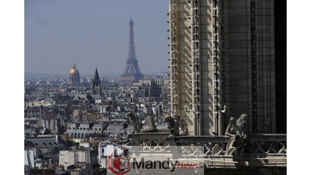 AP19101557204116_1555350751360_82531762_ver1.0_640_360 Fire Breaks Out At Notre-Dame Cathedral In Paris (Photos)