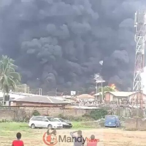 D4cX0m5X4AEeKC2 Fire Erupts In Ibadan As Fuel Tanker Explodes In Sawmill Area