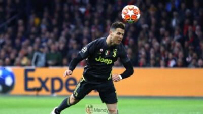 Ronaldo heading 1024x576 - Ajax vs Juventus 1-1 - All Goals and Highlights (Video)