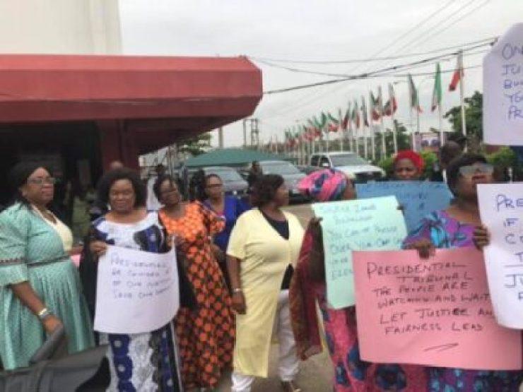 9384439_pdp1_jpeg9b2c7f6b48e06fcb465351b702ed45a2 PDP Staff Protest Against Election Tribunal Chairman, Zainab Bulkachuwa (Photos)