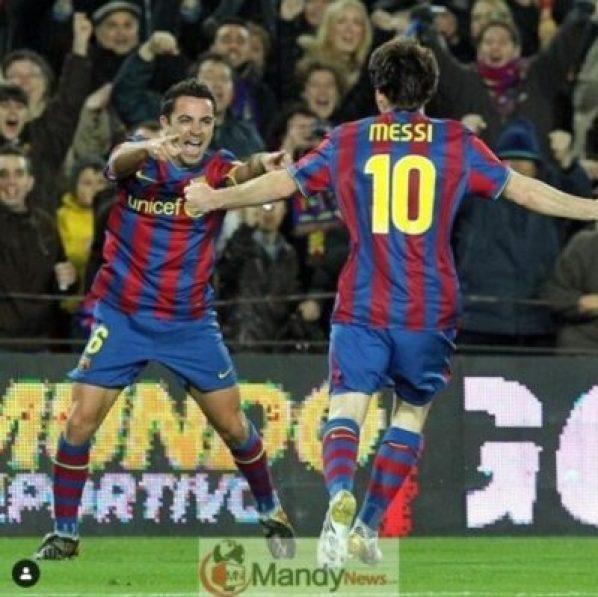 Lionel Messi and Xavi - Lionel Messi Wins 6th Ballon d'Or