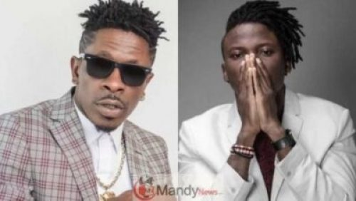 Shatta-Wale-And-Stonebwoy Stonebwoy Pulls Out Gun During Fight With Shatta Wale At VGMA20 (Video)