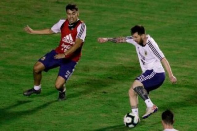 977396-01-05 Lionel Messi And Argentina Train Before Copa America Opener (Photos, Video)
