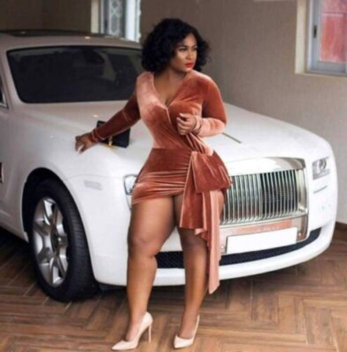 Abidivabroni-1 Stunning Photos Of Abidivabroni, Mother Of 4 Who Is Sexiest Ghanaian Lady
