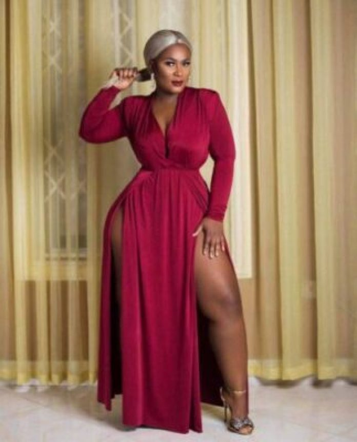 Abidivabroni-3 Stunning Photos Of Abidivabroni, Mother Of 4 Who Is Sexiest Ghanaian Lady