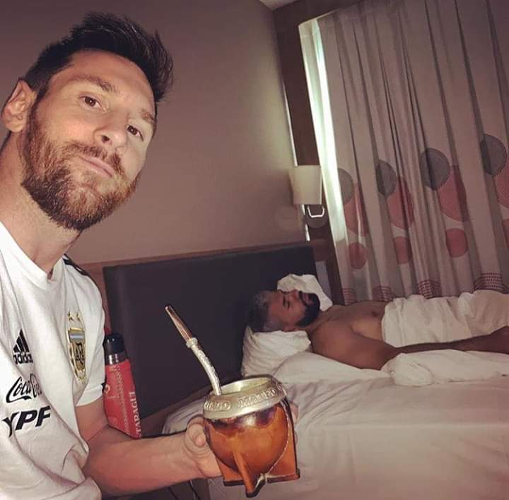 FB_IMG_1560349705989 Messi Shares A Selfie With Aguero Sleeping On Bed (Photo)