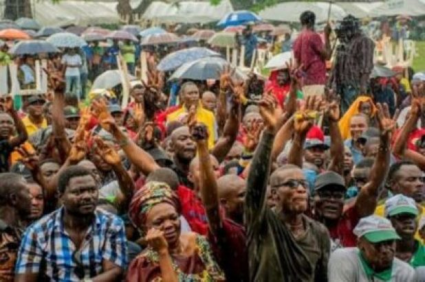 FB_IMG_15628605865624621 Market Women, Labour Groups, Youths, Others Pledge Support For Gov. Obaseki (Photos)