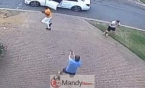 Two-South-African-Armed-Robbers-Flee-After-Messing-With-The-Wrong-Guys-300x183 Two South African Armed Robbers Flee After Messing With The Wrong Guys (Video)