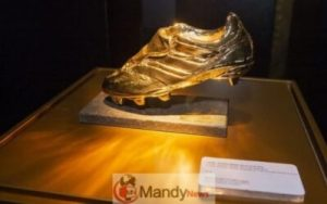 messi-golden-boot-300x188 Messi's 6th Golden Shoe On Display In Museum
