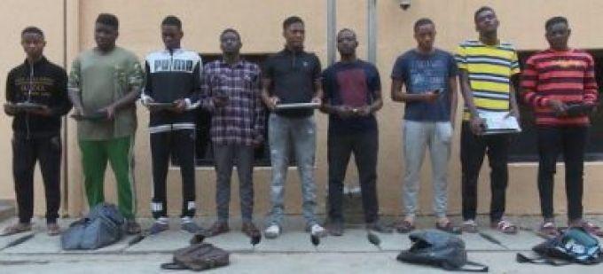 Nigeria's EFCC Arrests Nine Internet Fraudster In Abuja