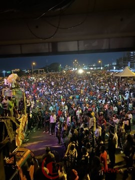 Pictures From Lekki Tollgate Night Of Protest, EndSARS: Pictures From Lekki Tollgate Night Of Protest