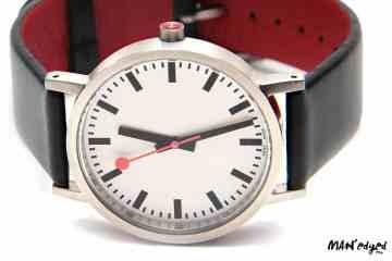 Editor's Pick : Men's Mondaine SBB Classic Pure Watch Close Up