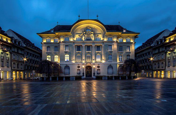 SNB Zurbruegg: Las intervenciones cambiarias siguen siendo importantes