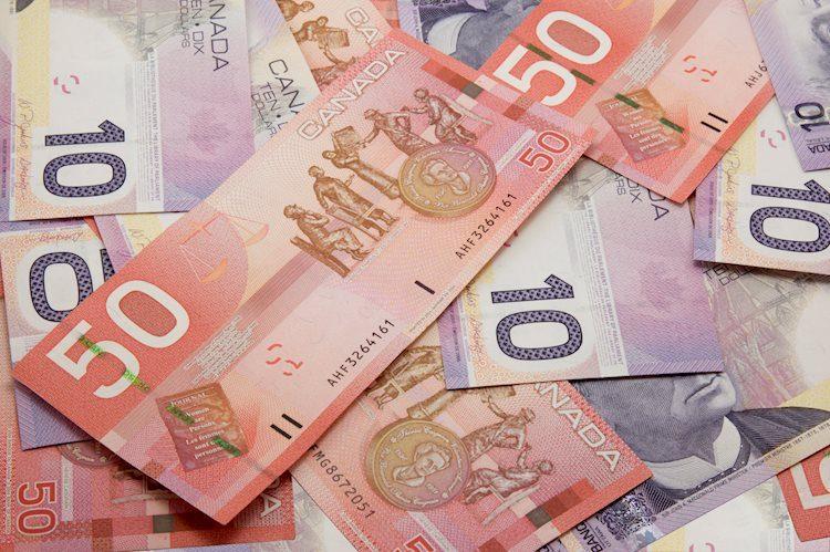 El USD / CAD se mantiene por debajo de 1,2100 tras la caída inspirada en las NFP