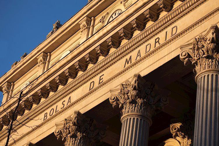 Los índices de referencia ganan más del 1,5% por el optimismo de las ganancias, esperanzas de estímulo