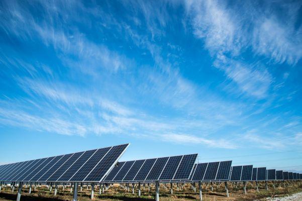 Las 4 cosas necesarias para alcanzar el ambicioso objetivo solar de Biden para 2050