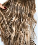 wavy bronde hair