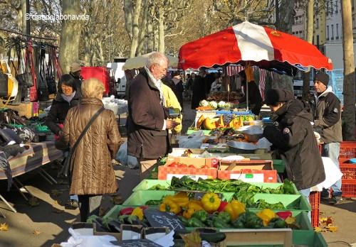 Paradetes de fruita al Mercat Saint Antoine