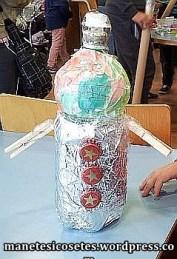 taller creació amb material reciclatge 19