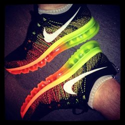 Nike_Flyknit_Air_Max_mens_orange_green_black_instagram