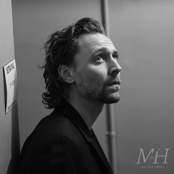 Tom Hiddleston: Grown-Out Thinning Hair