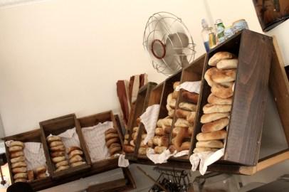 Shelves for bagel boxes