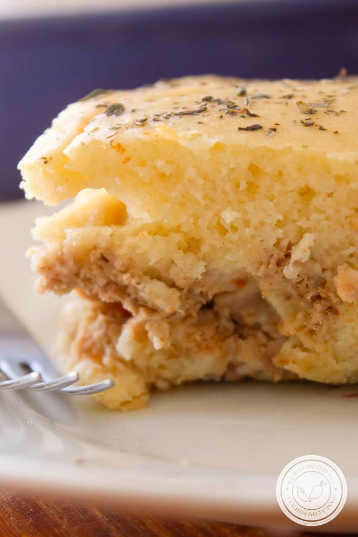Receita de Torta Salgada de Liquidificador de Atum - um lanche delicioso para o fim da tarde!