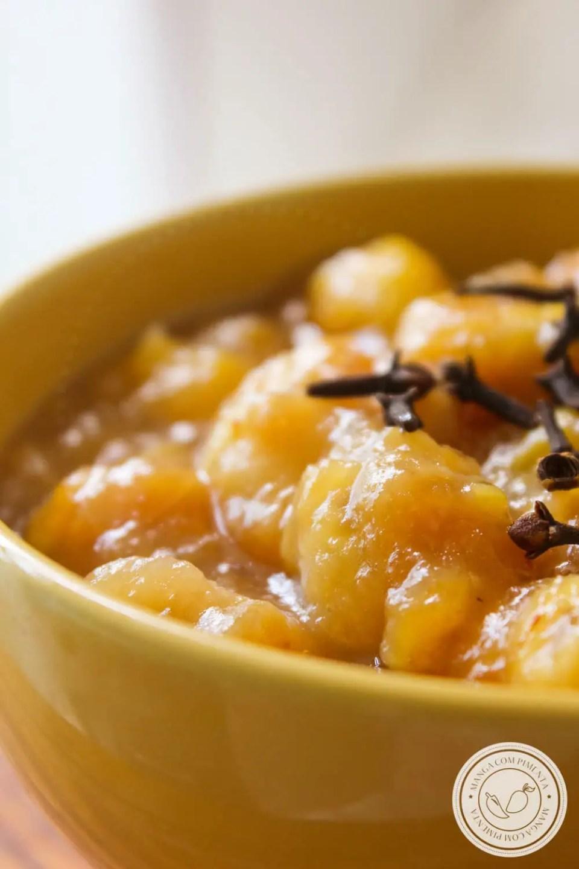 Receita de Compota de Bananas Carameladas - prepare em casa e sirva com sorvete ou coma de colherada!