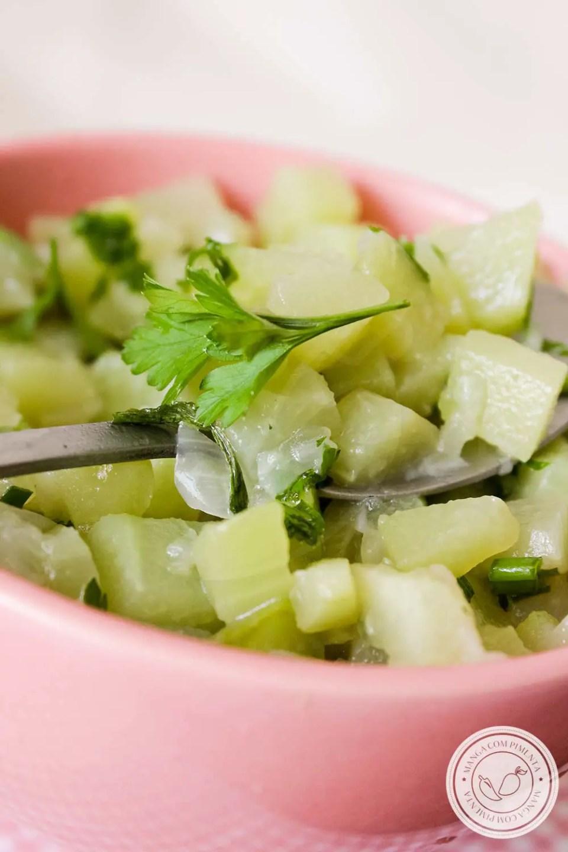 Chuchu Refogado - um prato simples, cheio de graça e sabor!