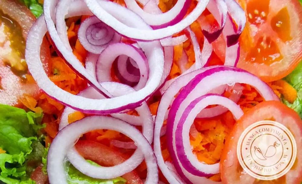 Comer salada é vida - use e abuse todos os dias e confira os nutrientes que vão fazer bem para você!!