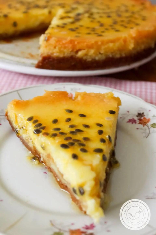 Receita de Cheesecake de Maracujá - prepare essa sobremesa linda para as festas do final de ano ou para dias de comemorações.