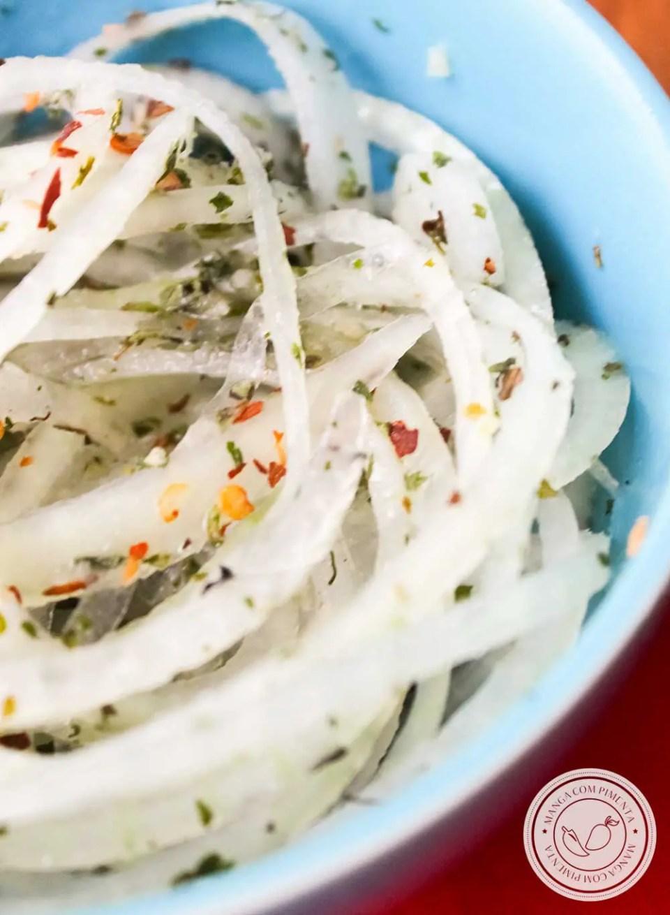 Receita de Salada de Cebola para Churrasco - para curtir o verão e carnaval!